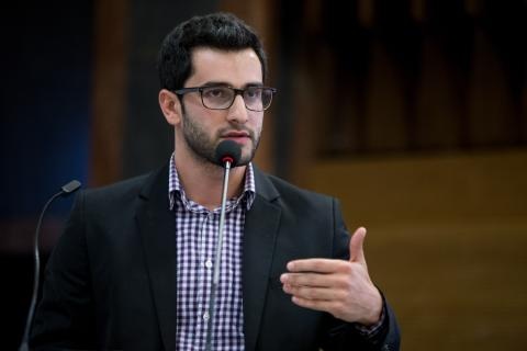 Armenak Tokmajyan argues that Syria is not locked in a civil war, but an international civil war. Yahya Al-Abdullah (MPA '17) gives perspective on the scope of the conflict in Syria. Photo: CEU/Zoltan Tuba