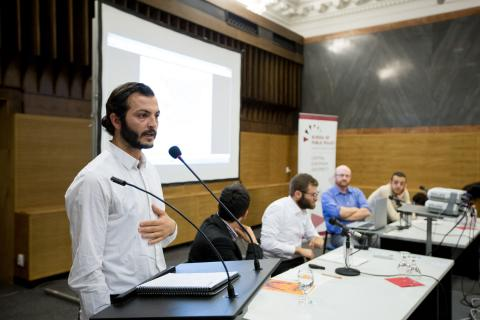 Yahya Al-Abdullah (MPA '17) gives perspective on the scope of the conflict in Syria. AlHakam Shaar describes the history behind the conflict in Syria. Photo: CEU/Zoltan Tuba